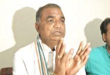 Congress-leader-Govind-Goyal-raises-questions-on-Kamal-Nath's-work