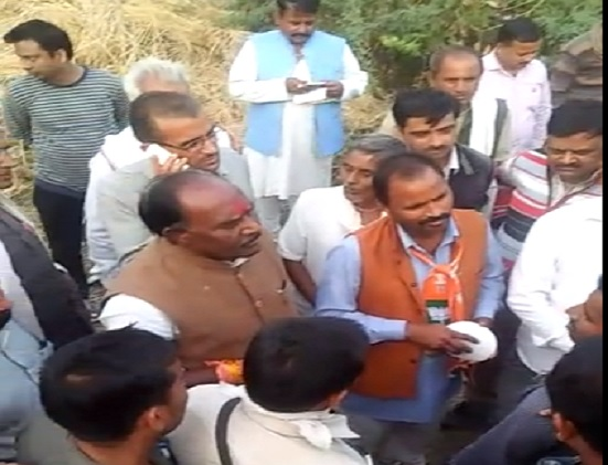 minister-lal-singh-ary-facing-heat-in-bhind-gohad