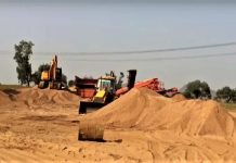 Hoshangabad-police-team-took-action-on-illegal-mining-