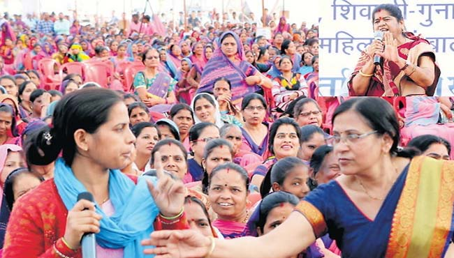 -When-Anganwadi-sahayika-asked-the-minister--what-is-your-education