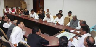cm-took-unofficial-meeting-with-ministers