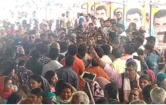 BJP-worker-shout-on-each-other-in-khandwa