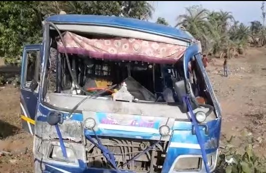bus-leaving-for-indore-overturn-near-dewas-three-dead