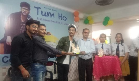 bhind-news-album-promotion-in-school-
