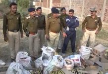 -Before-the-voting-the-country-and-liquor-caught-in-jabalpur