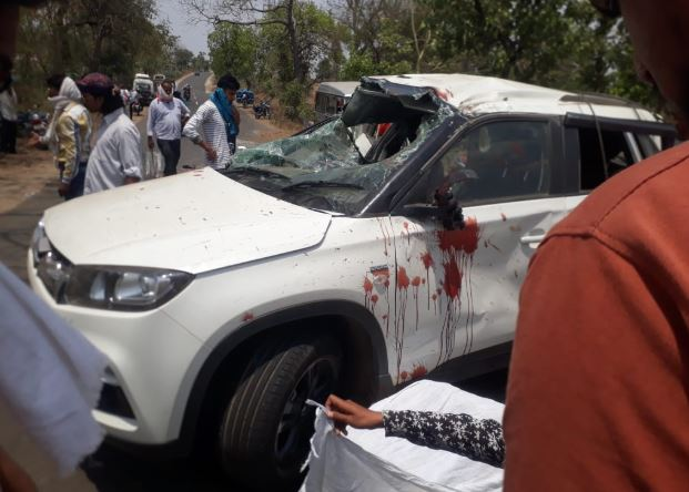 high-speed-car-collided-in-seoni-two-people-died-in-road-accident