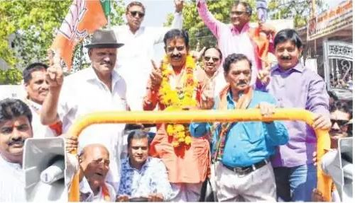rivals-campaign-in-Indore-for-shankar-lalwani
