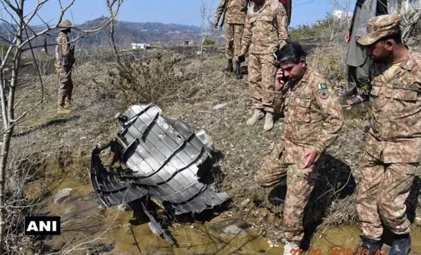 Expose-another-lie-of-Pakistan-picture-of-portion-of-downed-pakistani-air-force-f16-jet