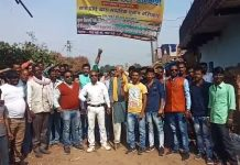 angry-people-boycott-election-in-katni-