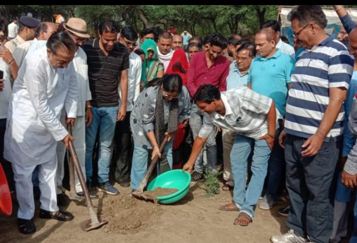 The-responsibility-of-everyone-to-save-every-drop-of-water--Chauhan