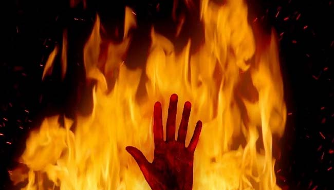 daughter-wanted-to-love-marriage--mother-set-fire-both-dies-