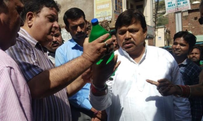 people-complaint-Dirty-water-minister-angry-on-officers-engineer-suspend