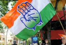 There-was-a-dispute-between-the-Congressmen-in-the-rally-of-Tarana-MLA-Mahesh-Parmar-