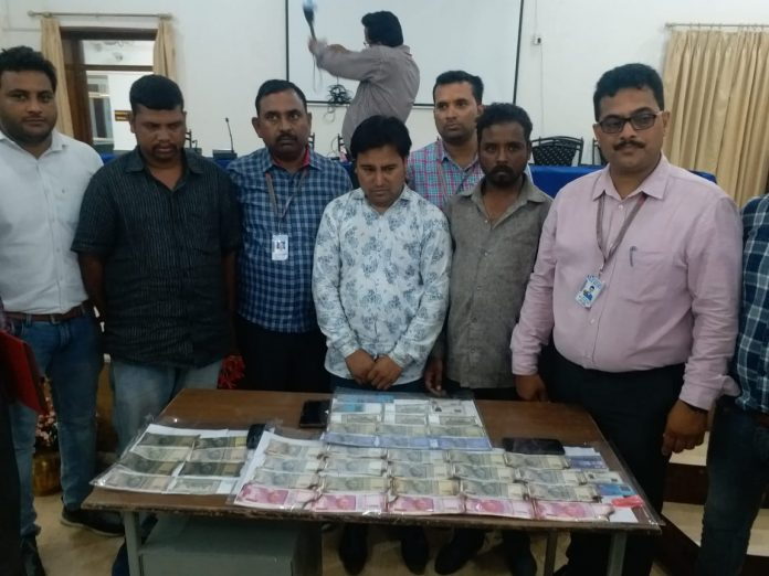 STF-caught-gang-made-fake-notes-in-indore