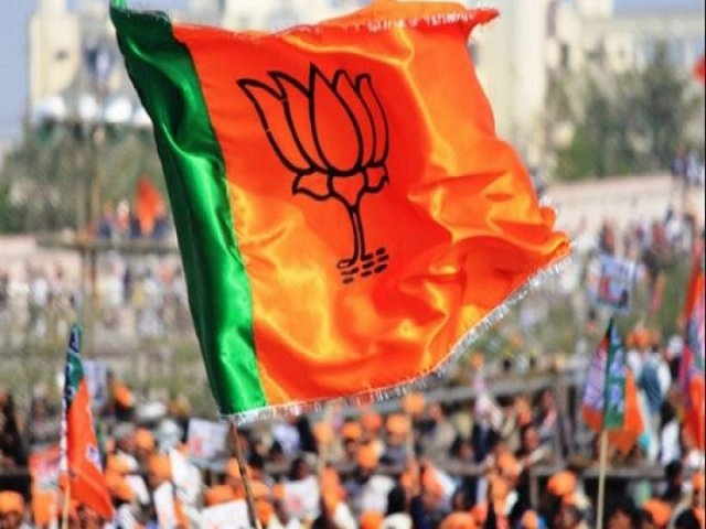 bjp-worker-arrested-with-90-thousands-rupees-loksabha-election-2019