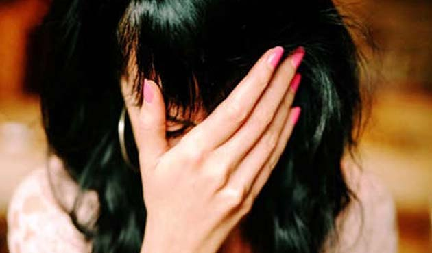 indore-sub-inspector-barged-into-house-and-tried-to-molest-girl-suspended