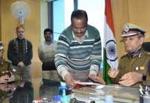 -MP's-new-DGP-VK-Singh-takes-charge