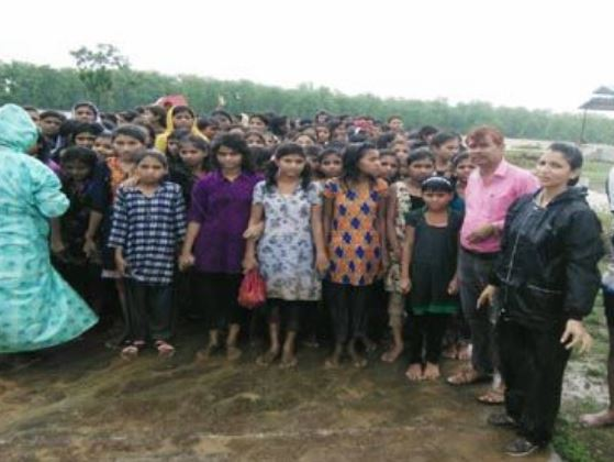 more-than-150-girl-students-were-rescued-in-ashapur-girls-hostel