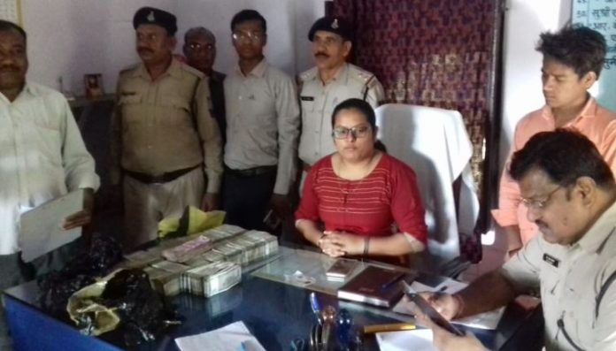 Rs-46-lakh-cash-recovered-in-Amarkantak-Express-