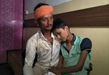 father-reaching-administration-for-Help-the-sick-daughter-