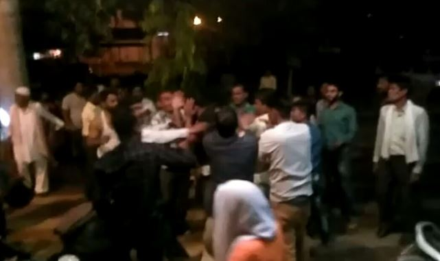 after-death-of-linemen-relatives-beaten-ae-in-gwalior-