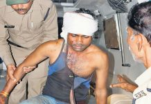 The-sand-mafia-assaulted-the-policeman-in-mp