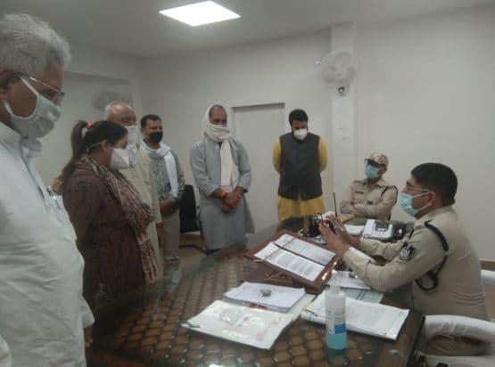 सिंधिया के 'गुमशुदा पोस्टर' लगाने वाला कांग्रेस प्रवक्ता गिरफ्तार, कांग्रेस ने एसपी को सौंपा ज्ञापन