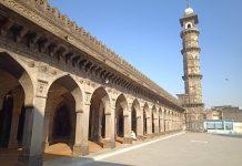 hanuman chalisa recited in mosque