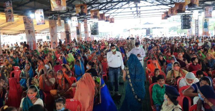 हाटपिपल्या में 'महाराज' को याद आए महाराज, सीएम शिवराज ने दी करोड़ों की सौगात