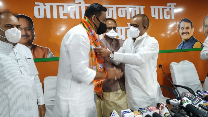 congress showing aggression on rahul singh lodhi