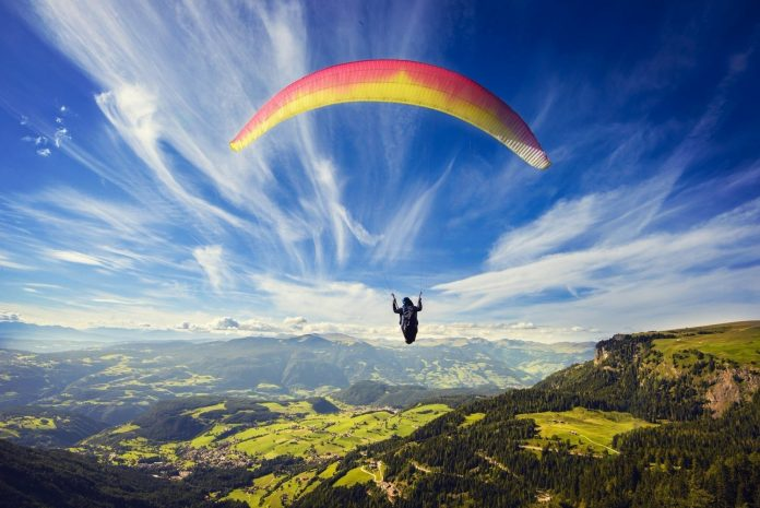 paragliding-by-82-year-old-lady