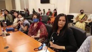 Indore : पुलिसकर्मियों की पत्नी को आर्थिक रूप से आत्मनिर्भर बनना सिखाएगा IIM, पहले चरण की हुई शुरुआत