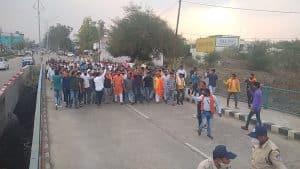 संतराम बाल्मीकी की हत्या के विरोध में विश्वहिन्दू परिषद के कार्यकताओं ने निकाला मार्च, कलेक्टर को सौंपा ज्ञापन