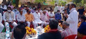 Gwalior News: जनता भीड़ करे तो जुर्माना, नेताजी को फूलमाला, प्रशासन का दोहरा मापदंड चर्चा में