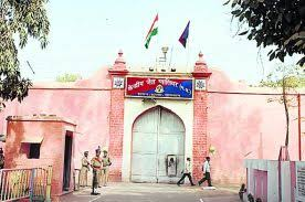 Gwalior News : जयारोग्य अस्पताल से इलाज के दौरान बंदी फरार, जेल प्रहरी निलंबित