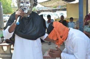 Sehore नगर पालिका की अनोखी पहल, नुक्कड़ नाटक से कोरोना के प्रति लोगों को किया जागरूक