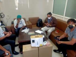 सीहोर जिला अस्पताल की मदद के लिए आगे आए समाजसेवी अखलेश राय, दान किए 4 ऑक्सीजन कंसंट्रेटर मशीन