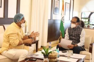 वन मंत्री डॉ. कुंवर विजय शाह ने मुख्यमंत्री शिवराज से की मुलाकात, हरसूद में 100 बेड वाले अस्पताल के लिए मांगी स्वीकृति
