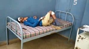 जबलपुर में अनियंत्रित होकर फिसली बाइक, दो की मौके पर मौत, एक घायल