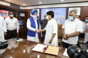 Scindia ने किया पदभार ग्रहण, कमलनाथ का आशीर्वाद - सदा खुश रहें ज्योतिरादित्य