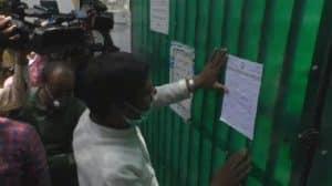 Bhopal : वैक्सीन की कमी को लेकर कांग्रेस कार्यकर्ताओं का प्रदर्शन, स्वास्थ्य मंत्री के बंगले का किया घेराव